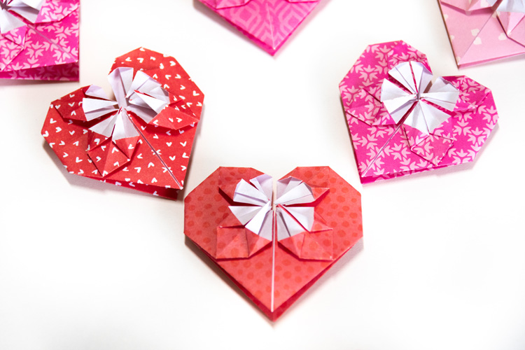 small hearts from origami